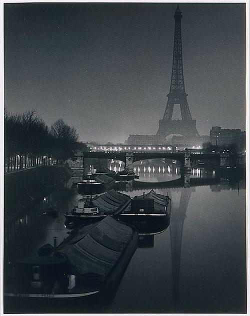 Brassai - Eiffel Tower al tramonto