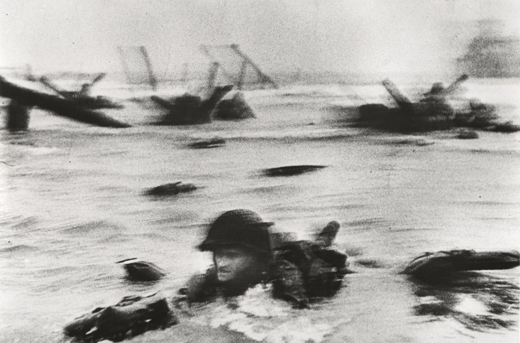 Robert Capa - sbarco in Normandia