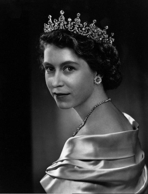 Karsh -  Regina Elisabetta