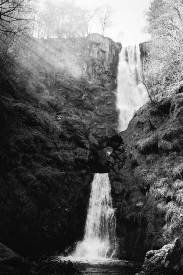 cascata bianco e nero, occhio alle forme
