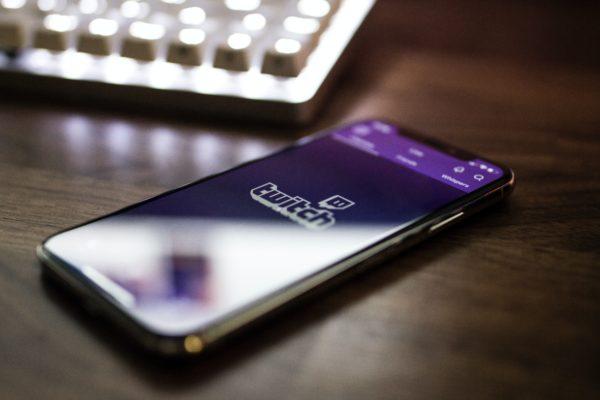 Twitch iOS App on iPhoneX.